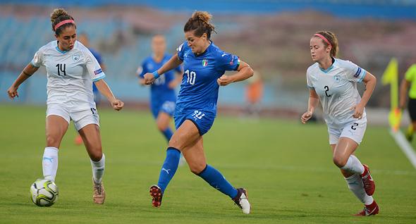 כדורגל נשים. נבחרת ישראל נגד נבחרת איטליה