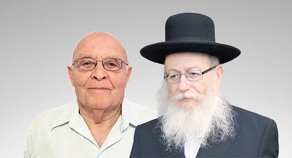 """מימין: שר הבריאות היוצא יעקב ליצמן ואברהם בר דוד, יו""""ר עמותת דיירי הדיור המוגן"""