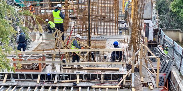 """בנייה פועלים פועלי בניין נדל""""ן, צילום: נועה קסלר"""