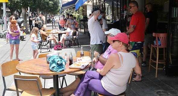 סניף פתוח של סוסו אנד סאנס בתל אביב