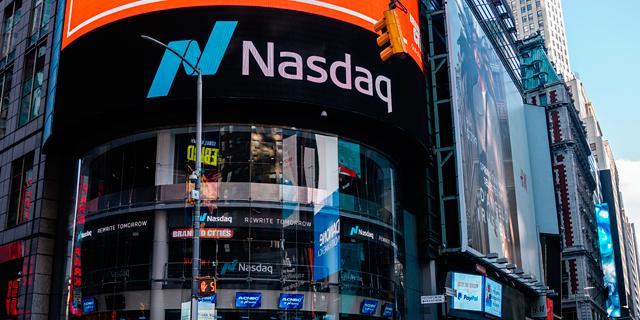 נעילה מעורבת בניו יורק; אלי לילי ירדה ב-2.8%, אפל איבדה 2.7%