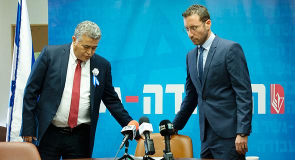 מימין איציק שמולי ו עמיר פרץ, צילום: עמית שאבי