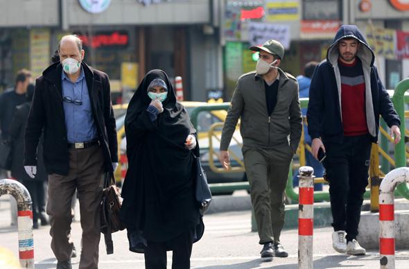 אנשים ברחובות טהראן