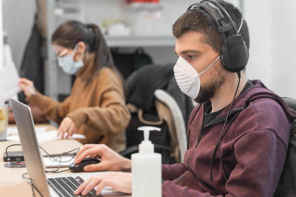 Some high tech companies prefer their employees work in the office to encourage a collaborative atmosphere (illustration). Photo: Shutterstock