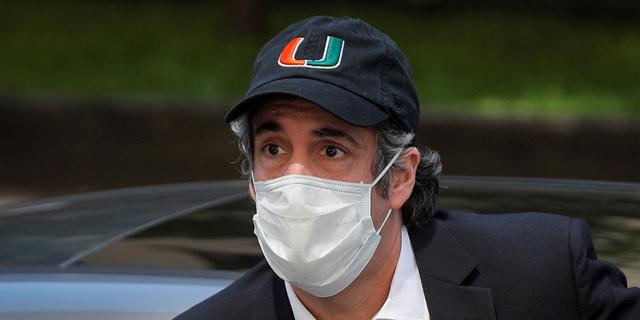 מייקל כהן היום, בפתח ביתו, צילום: רויטרס