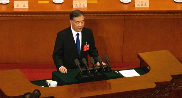 ראש הממשלה לי קצ'יאנג בפרלמנט הסיני, היום
