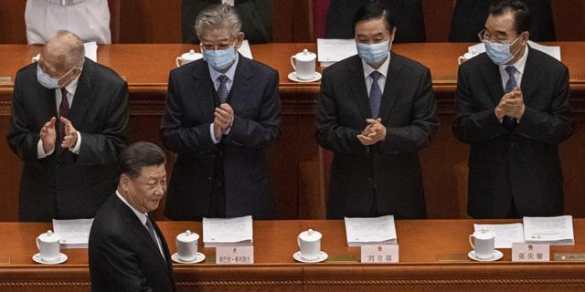 נשיא שי ג'ינפינג בפרלמנט הסיני