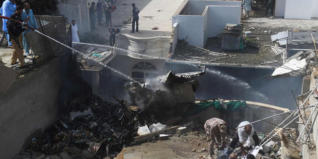 מטוס עם 107 נוסעים התרסק בפקיסטאן; הערכה: אין ניצולים