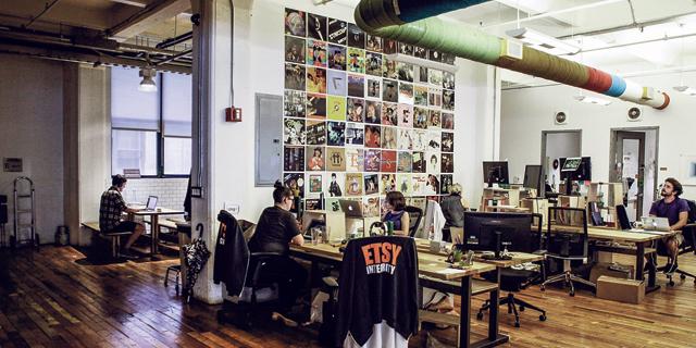משרדינו יהיו סגורים: כך נולד וכך מת המשרד המודרני