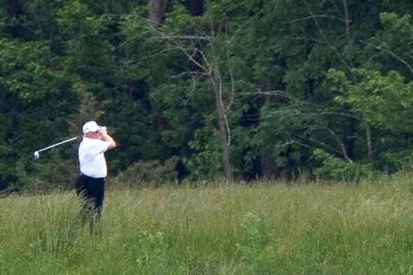 דונלד טראמפ משחק גולף ורג'יניה קורונה, צילום רויטרס