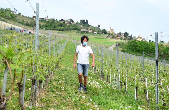 האיטלקים בורחים מהערים, הספרדים קונים בתים מרחוק