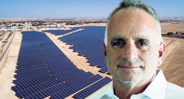 """חן מלמד, מנכ""""ל משקי אנרגיה על רקע שדות סולאריים בכפר טראבין אל סאנע בנגב"""