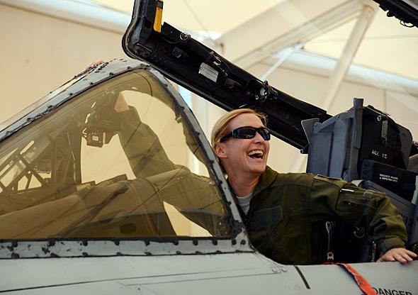 קמפבל בקוקפיט ה-A10, מקור: USAF
