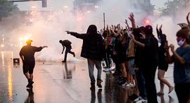 """המהומות בארה""""ב, צילום: אי אף פי"""