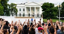 מחאה מול הבית הלבן, צילום: אי פי איי