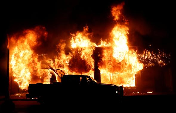 מהומות במיניאפוליס, צילום: רויטרס