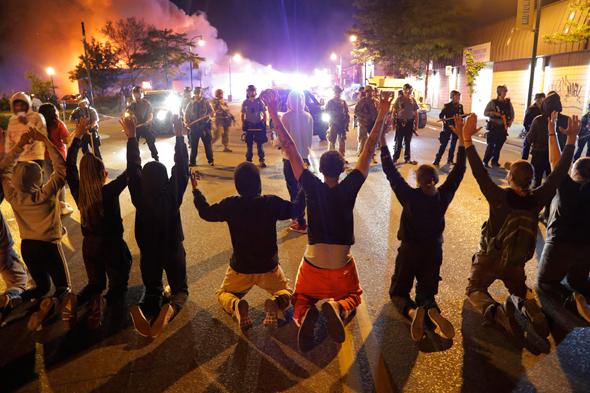 """מהומות במיניאפוליס, ארה""""ב, צילום: איי פי"""