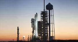 דראגון בגרסת המטען לפני המראה מקן שיגור, צילום: נאסא