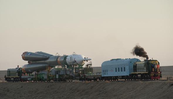 חללית סויוז בדרך לכן השיגור, 2012