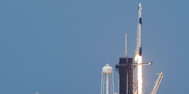 השיגור אתמול, צילום: איי פי