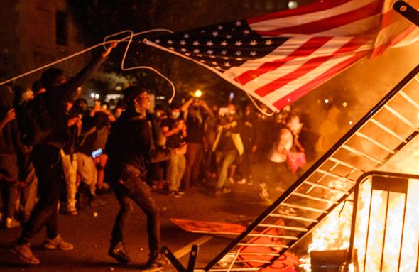 מהומות ליד הבית הלבן