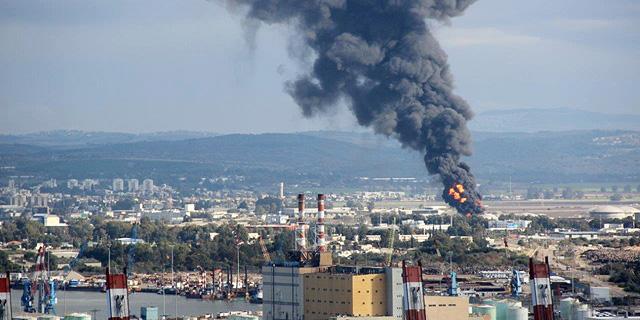 ממחזרים הצהרות: המשרד להגנת הסביבה שוב קורא לסגור את מפעלי הזיקוק בחיפה