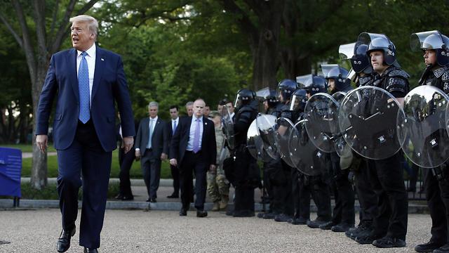 טראמפ ליד הבית הלבן, צילום: AFP