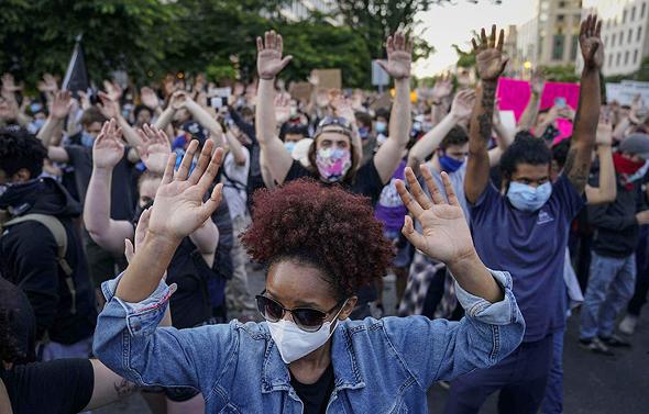 """הפגנות ענק בארה""""ב. בעקבות מותו של ג'ורג' פלויד"""