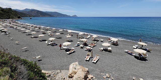 חוף בסיציליה, צילום: רויטרס