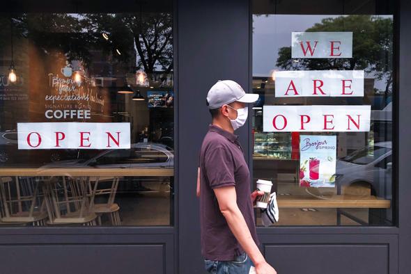 בית קפה פתוח בניו יורק