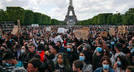 פוטו הפגנות למען זכויות שחורים פריז צרפת , צילום: איי פי