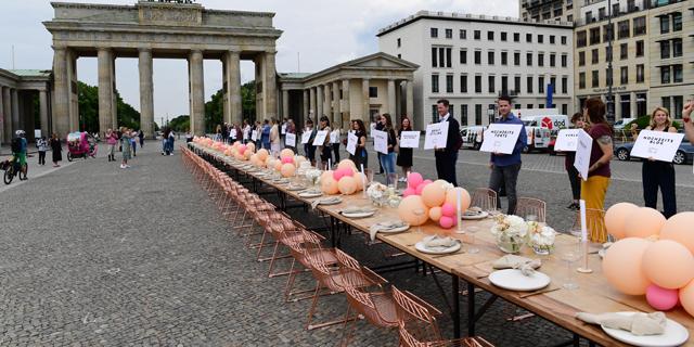 מחאה תעשיית החתונות בברלין , צילום: אי. פי. איי