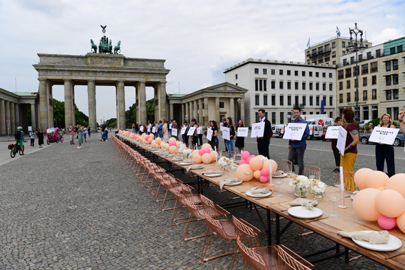 מחאה תעשיית החתונות בברלין