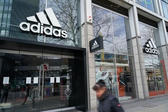 חנות אדידס ברלין נעלי ספורט , צילום: גטי