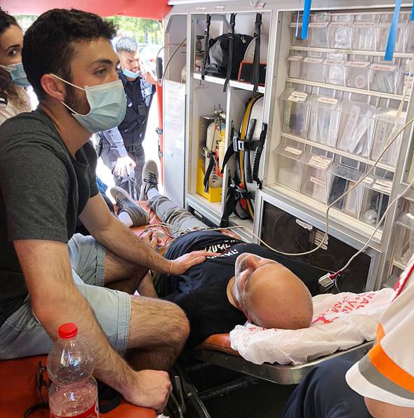 טיפול בנפגעים במהלך ההפגנה, הבוקר