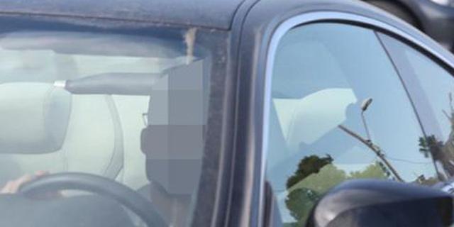 אחד הכדורגלנים החשודים בדרכו לאימון