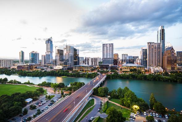 """יוסטון, טקסס. """"משקיעים באזורים מתפתחים ומבוקשים כלכלית"""""""