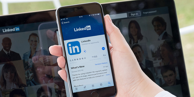 LinkedIn becomes a battlefield, as job searches shift to the web
