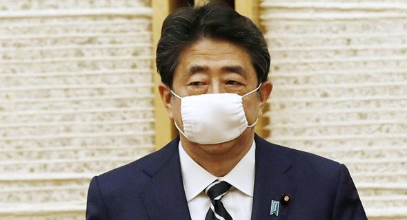 """ראש ממשלת יפן שינזו אבה. """"תשתמשו ללא חשש"""""""
