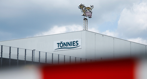 בית מטבחיים משחטת בשר גרמניה Toennies אלף נדבקו ב קורונה, צילום: רויטרס