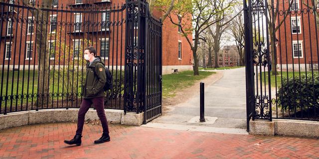 """הקולג'ים בארה""""ב יסבלו מאובדן הסטודנטים הזרים"""