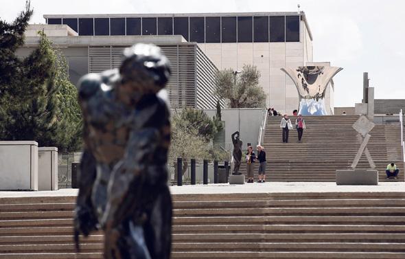 """מוזיאון ישראל. """"תיירות חוץ, שהיא אצלנו חלק ניכר מהמרכיב של הכנסות עצמיות, לא קיימת״, מסביר ברונו, צילומים: איי אף פי"""
