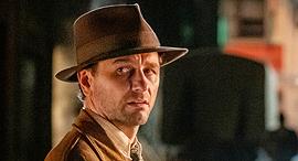 השחקן מתיו ריס מתוך הסדרה פרי מייסון  פנאי, צילום: HBO באדיבות yes