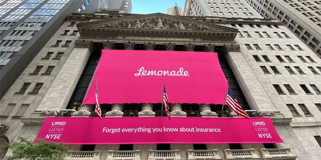 Lemonade banners on NYSE building. Photo: Lemonade