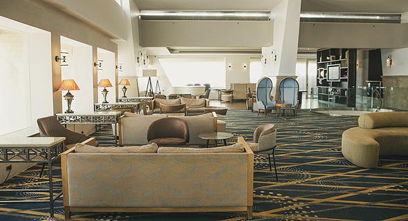 """מלון רנסנס בת""""א נטוש בקורונה, צילום: תומי הרפז"""