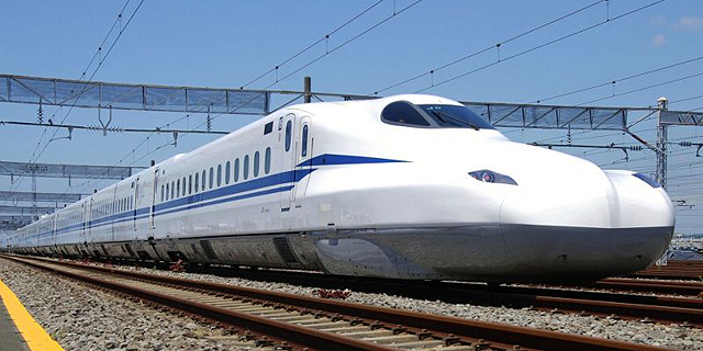 """""""לטוס"""" במהירות של 360 קמ""""ש: הדור החדש של רכבות הקליע הושק ביפן"""