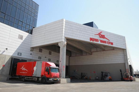 מרכז הסחר המקוון של דואר ישראל במודיעין, צילום: אוראל כהן