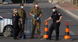 """קורונה חיילים חיילות צה""""ל, צילום: אלכס קולומויסקי"""
