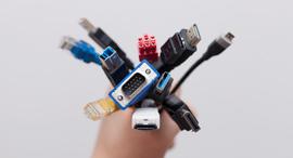 כבלים למחשב ולסמארטפון, צילום: שאטרסטוק