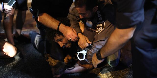 """עימותים ועצורים אחרי ההפגנה: """"זו מלחמה"""""""